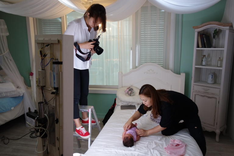 Isabel's first photo session, at King Kong studio in Seoul.