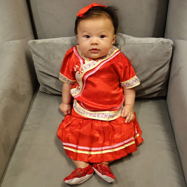 We went to Beijing just in time so Isa could get an outfit to mark her first 100 Days!