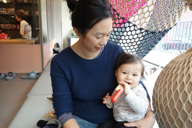 Auntie Sarah (Jonah and Jessica's mom) is going to move away to Singapore soon. She's been one of our best friends in Seoul, so she has known Isa since she was in Momma's belly. She wanted to get lots of cuddles with Isa before they leave.