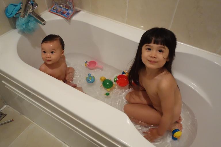 The Hu-Stiles sisters