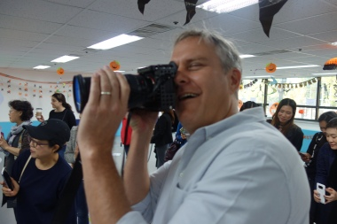 Ella's dad David is a cameraman in real life, too